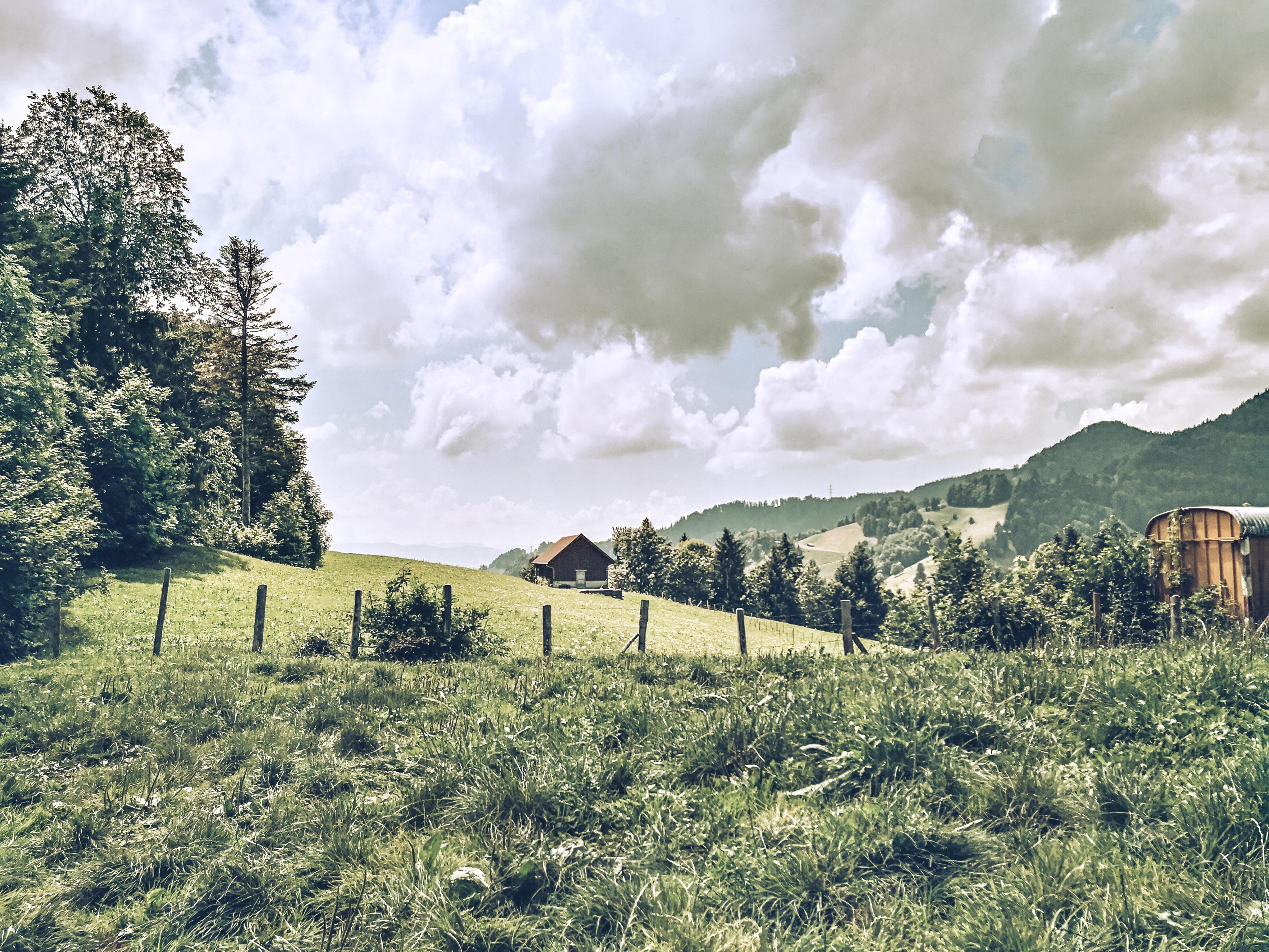 Mit der Post die Schweiz bei Familienwanderung entdecken