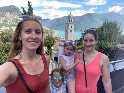 Mom of 4 in Lugano