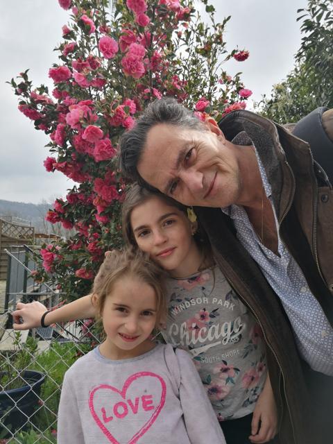 April 2019 im Tessin mit seinen Töchtern